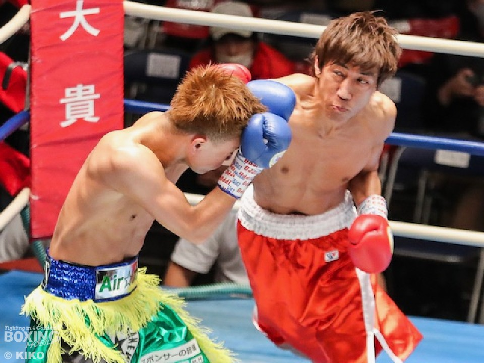 右:正地孝至(東京拳闘会)が7年7ヶ月ぶりの復帰戦